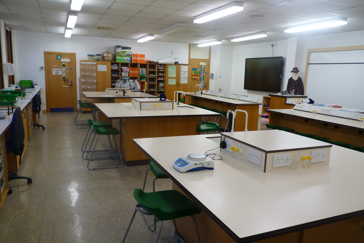 Science Classroom - Northampton High School - Northamptonshire - 1 - SchoolHire