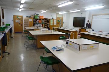 Science Classroom - Northampton High School - Northamptonshire - 4 - SchoolHire