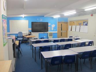 Classroom - Sports Hall - Woodford County High School - Essex - 2 - SchoolHire