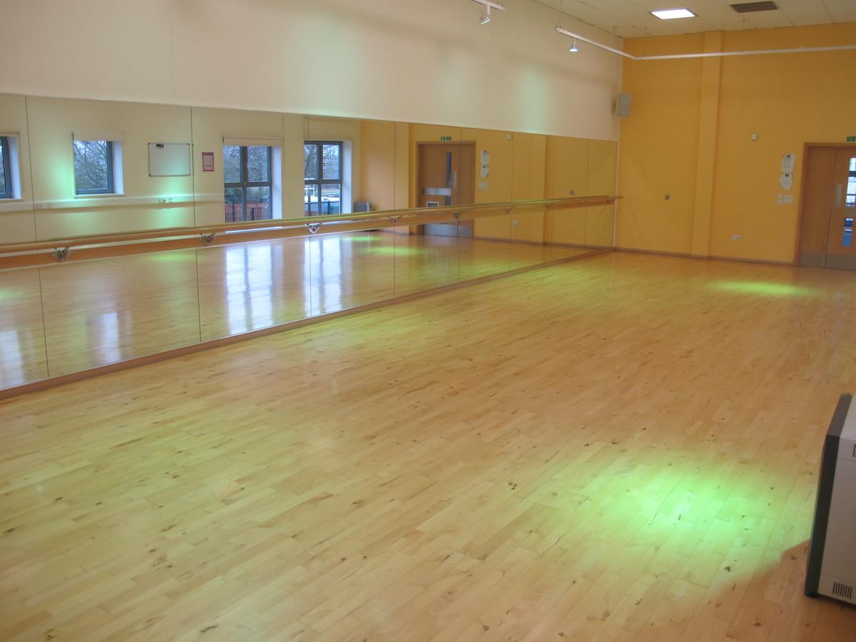 Dance Studio - Woodford County High School - Essex - 4 - SchoolHire
