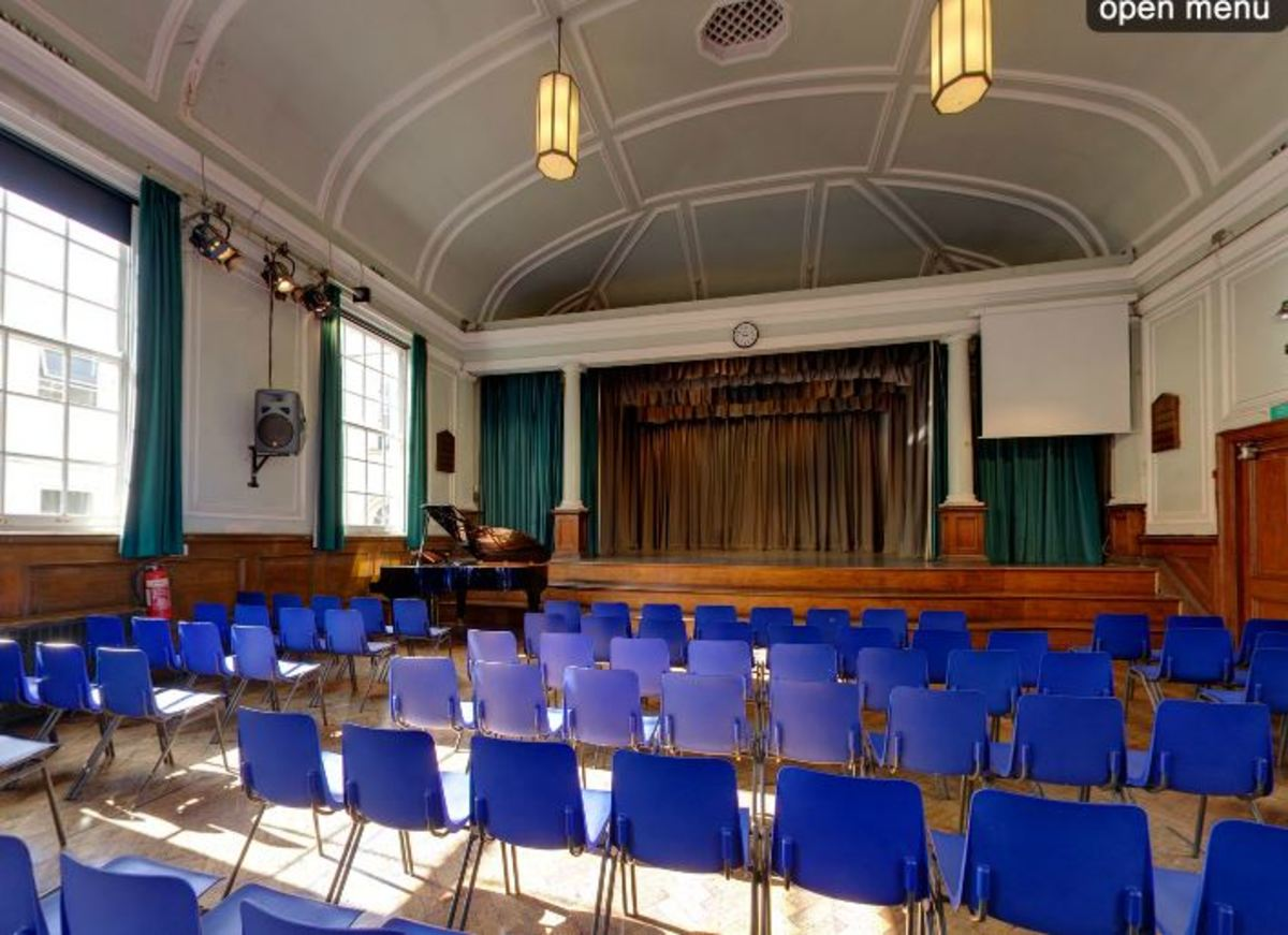 Main Hall - Woodford County High School - Essex - 1 - SchoolHire