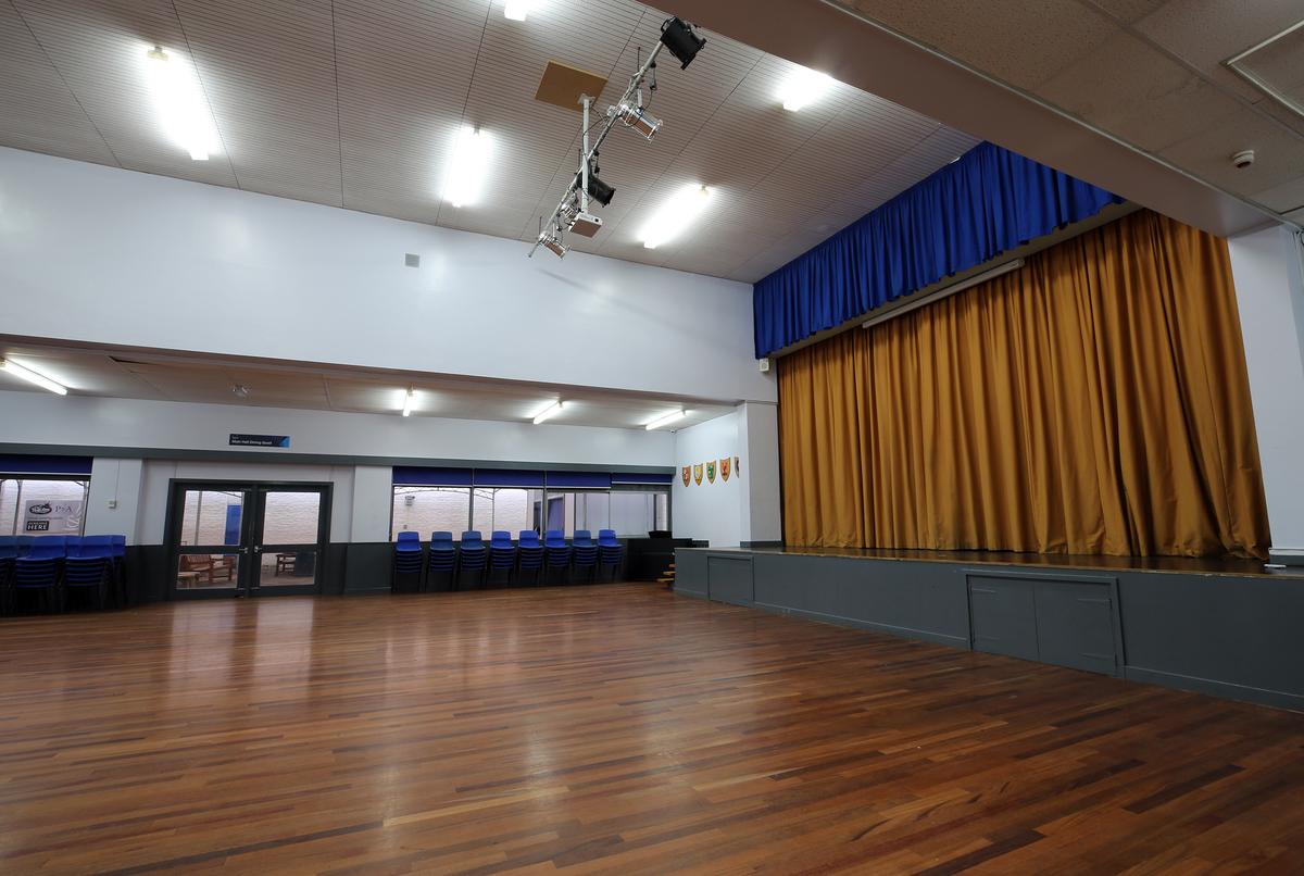 Main Hall - Nunthorpe Academy - Middlesbrough - 3 - SchoolHire