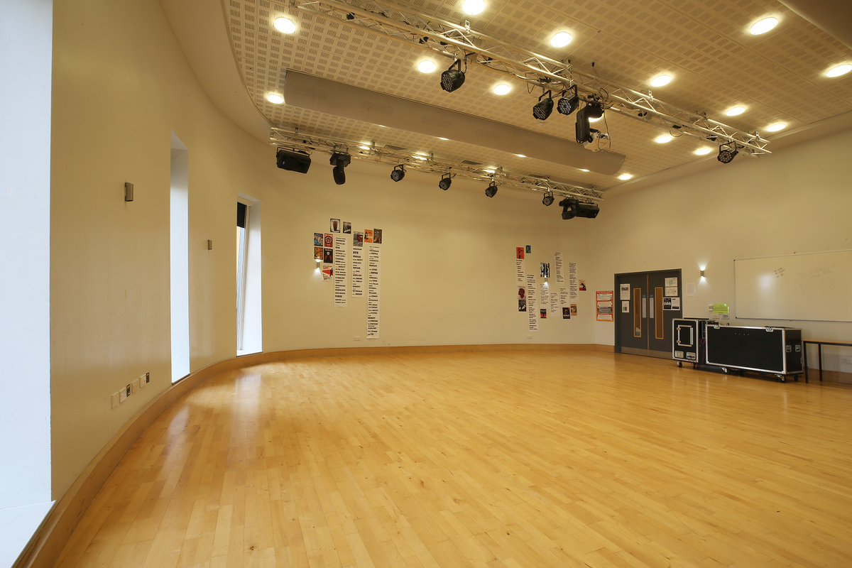 Sixth Form Hall - Nunthorpe Academy - Middlesbrough - 1 - SchoolHire