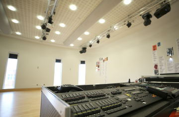 Sixth Form Hall - Nunthorpe Academy - Middlesbrough - 2 - SchoolHire