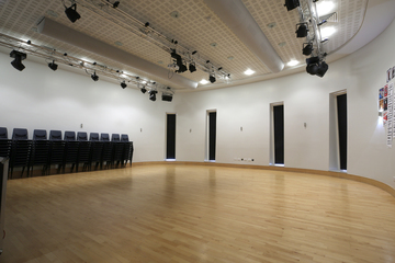 Sixth Form Hall - Nunthorpe Academy - Middlesbrough - 3 - SchoolHire