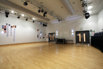 Sixth Form Hall - Nunthorpe Academy - Middlesbrough - 4 - SchoolHire