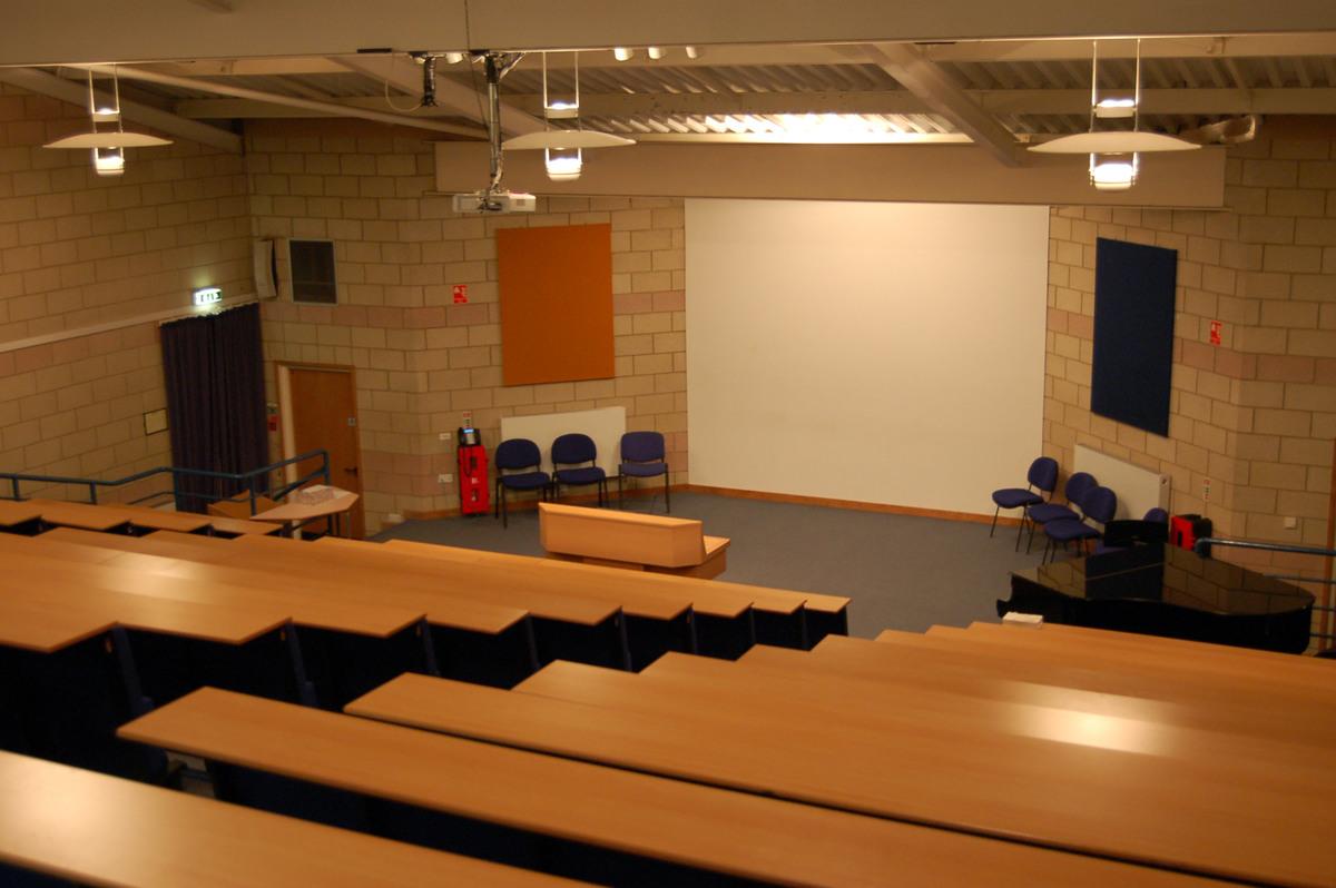 Lecture Theatre - Emmanuel College - Gateshead - 2 - SchoolHire