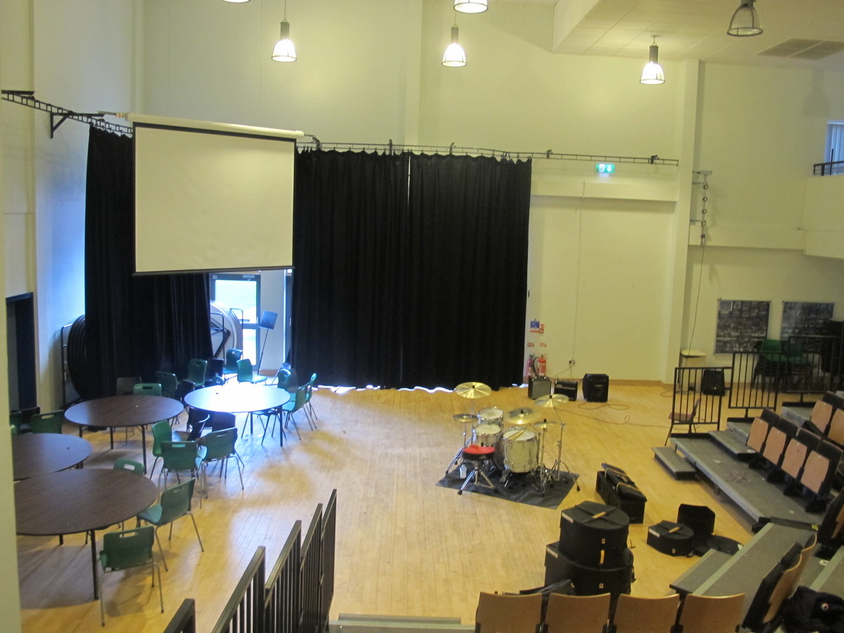 Lecture Theatre - Lyceum - The Catholic High School - Cheshire West and Chester - 4 - SchoolHire