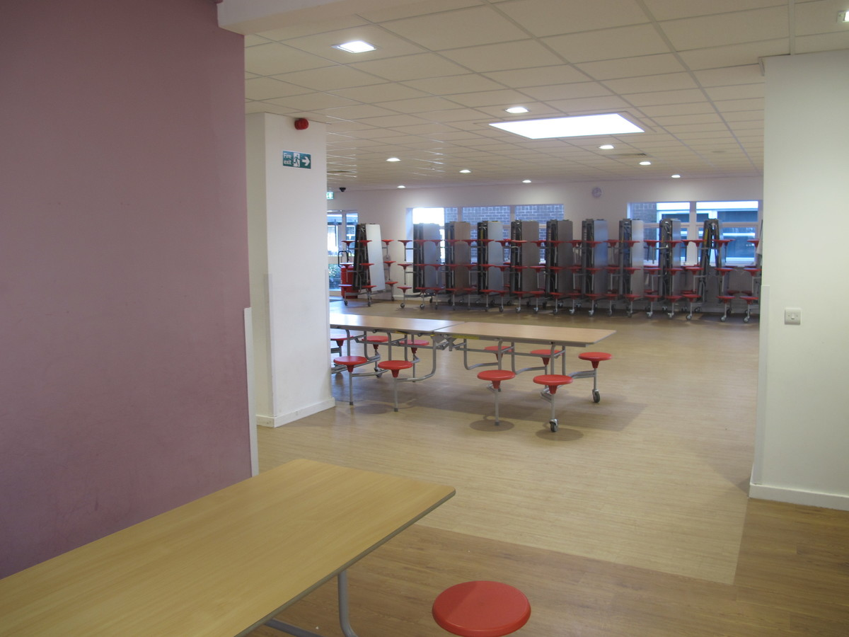 Dining Hall - Humberston Academy - North East Lincolnshire - 4 - SchoolHire