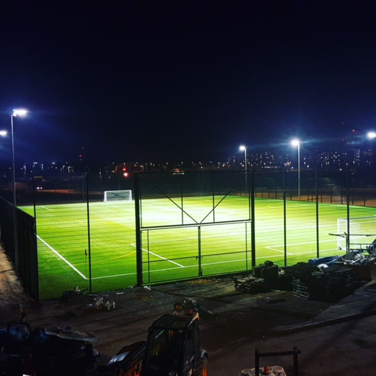 Artifical Pitch 2g 3g Football Pitch At Bobby Moore Academy For Hire In Newham Schoolhire