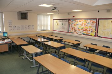 Classrooms - Standard - The King's Academy - Middlesbrough - 3 - SchoolHire