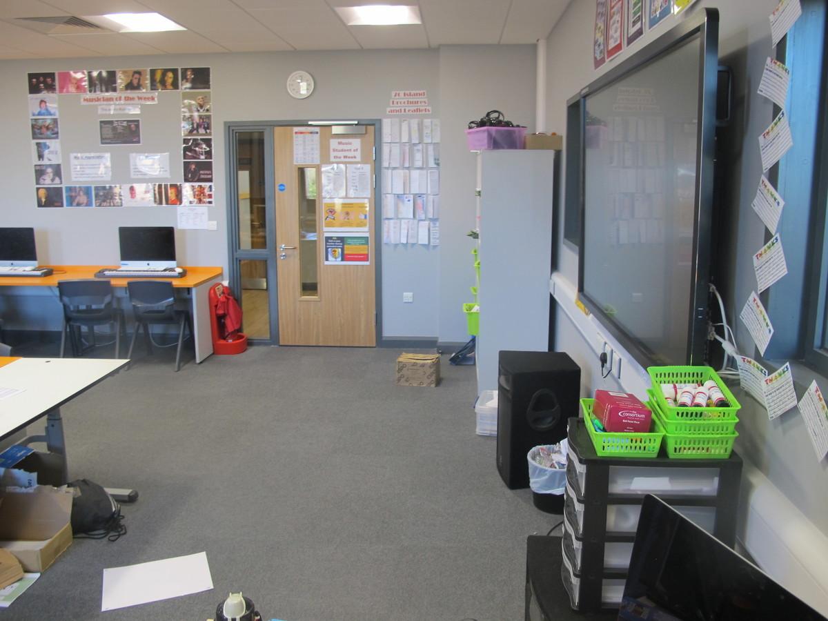 Music Room - Ditton Park Academy - Slough - 2 - SchoolHire