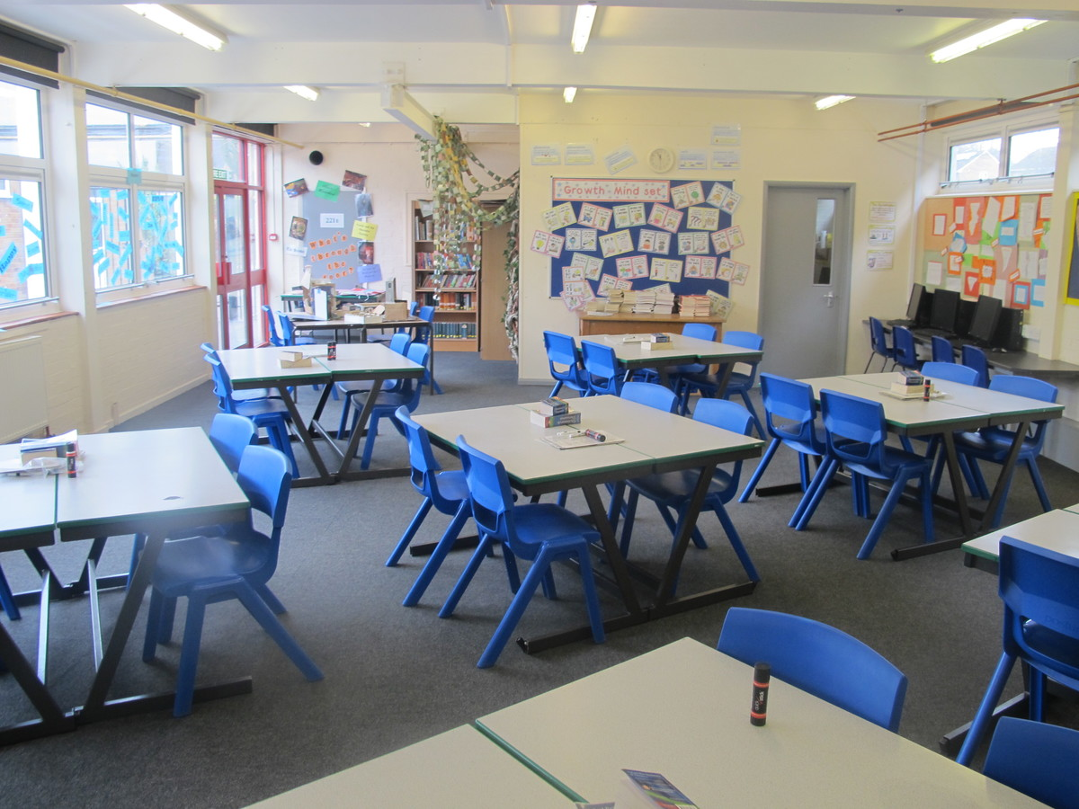 Classrooms - Standard - Dyson Perrins C of E Academy - Worcestershire - 4 - SchoolHire