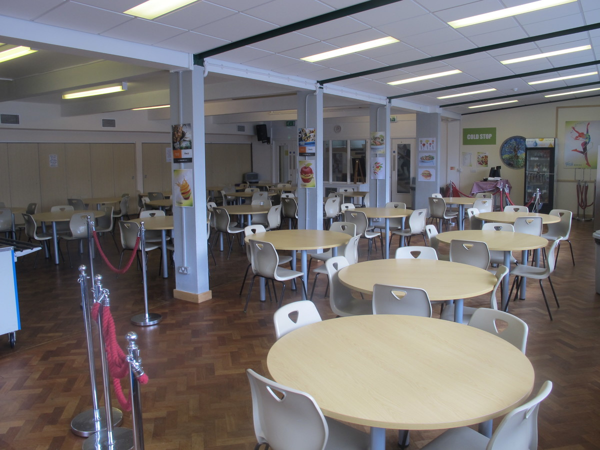 Dining Hall - Dyson Perrins C of E Academy - Worcestershire - 4 - SchoolHire