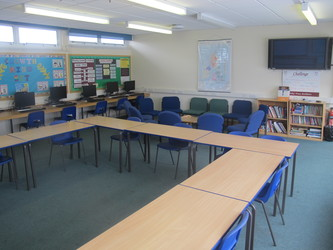 Meeting Room - A27 - Dyson Perrins C of E Academy - Worcestershire - 2 - SchoolHire