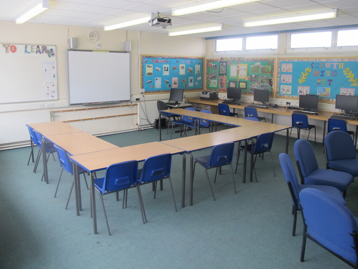 Meeting Room - A27 - Dyson Perrins C of E Academy - Worcestershire - 3 - SchoolHire