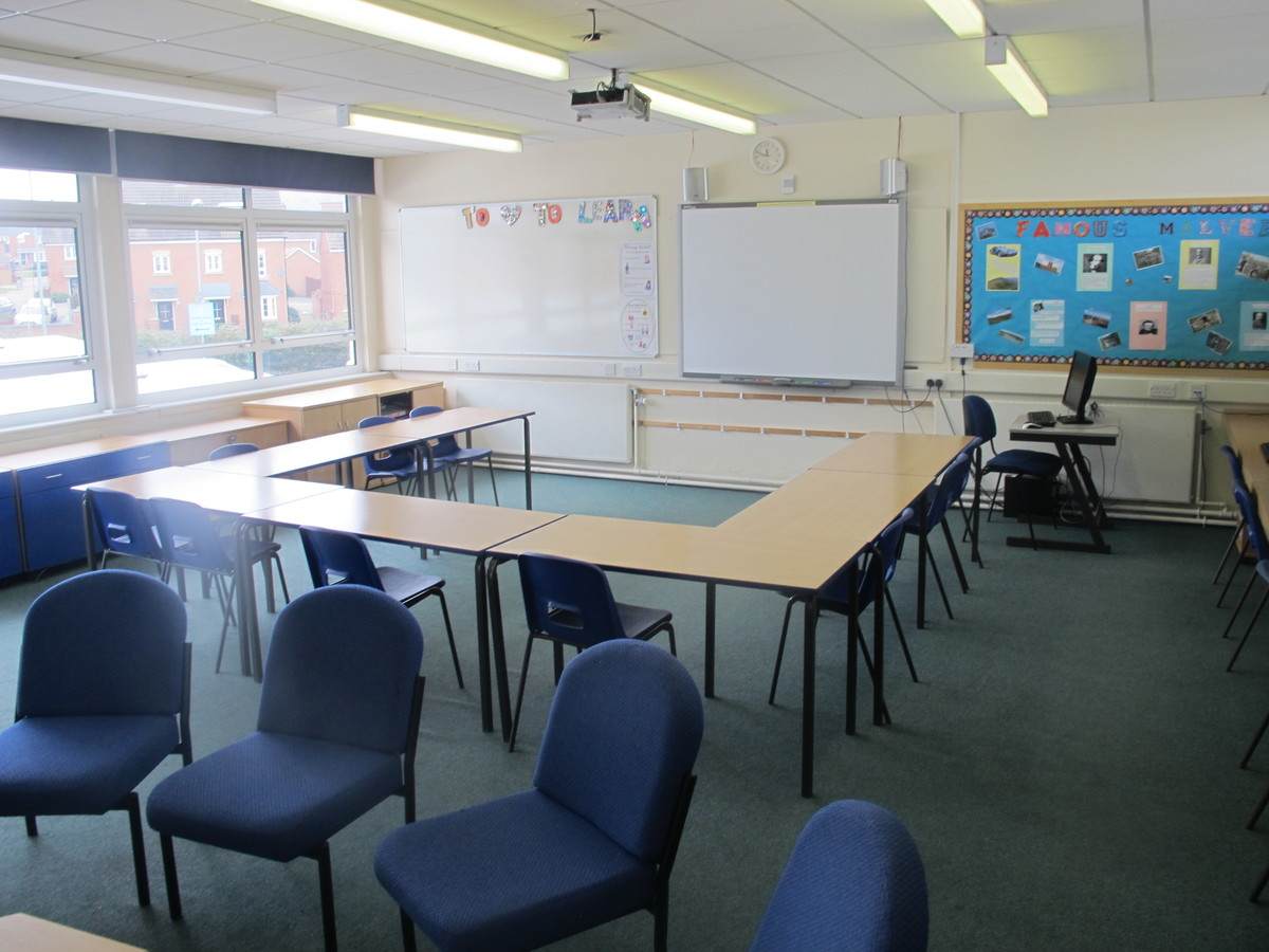 Meeting Room - A27 - Dyson Perrins C of E Academy - Worcestershire - 4 - SchoolHire