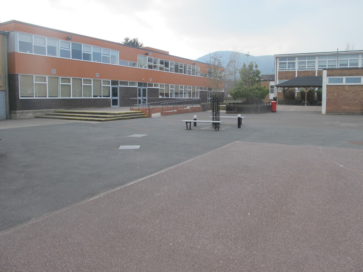 Dyson Perrins C of E Academy - Worcestershire - 3 - SchoolHire