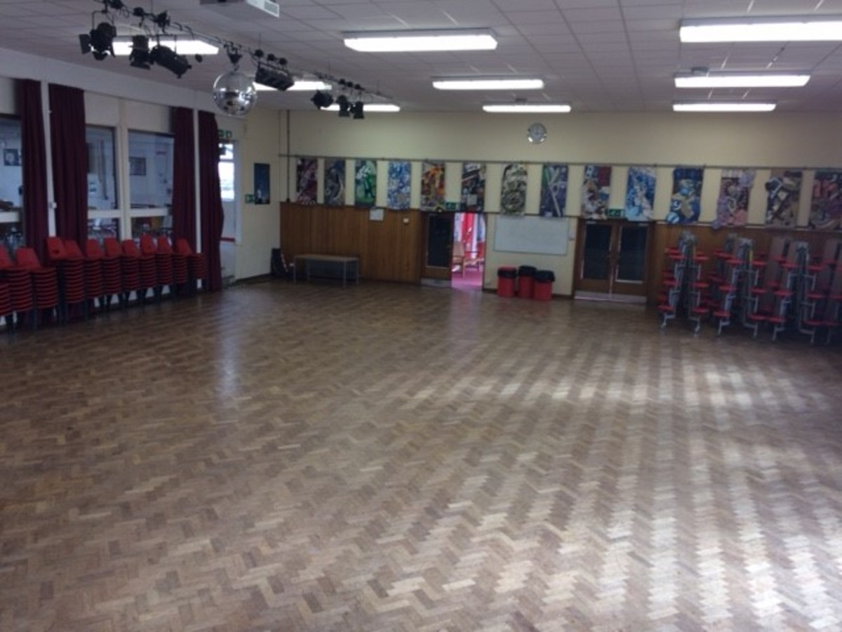 Main Hall - Kineton High School - Warwickshire - 1 - SchoolHire