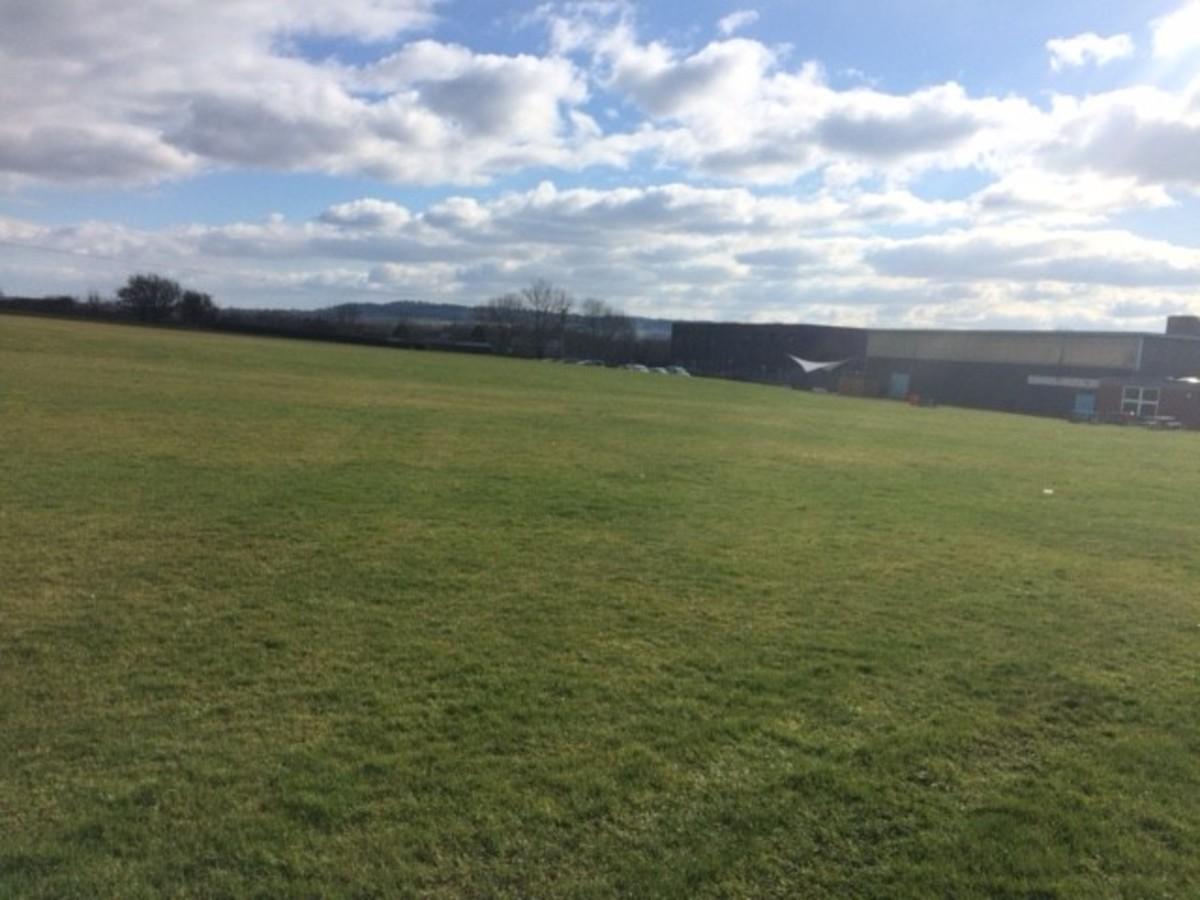 Grass Field / Pitches - Kineton High School - Warwickshire - 4 - SchoolHire