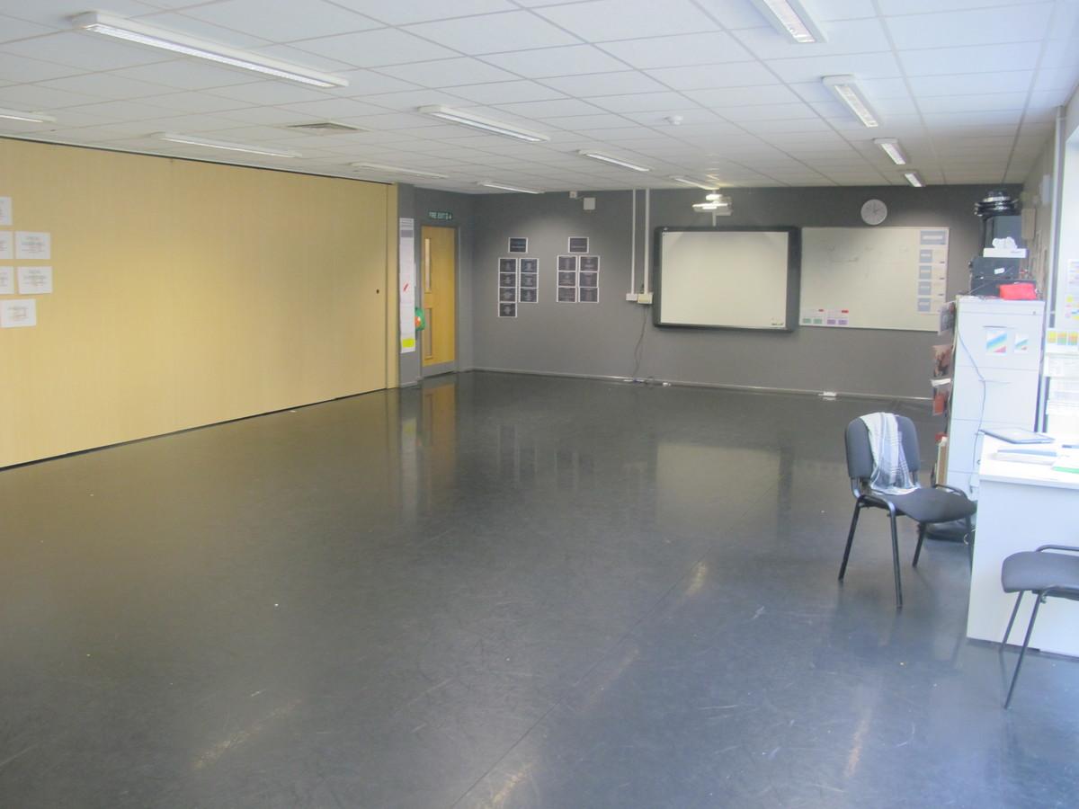 Dance Studio 1 - Valley Park School - Kent - 4 - SchoolHire