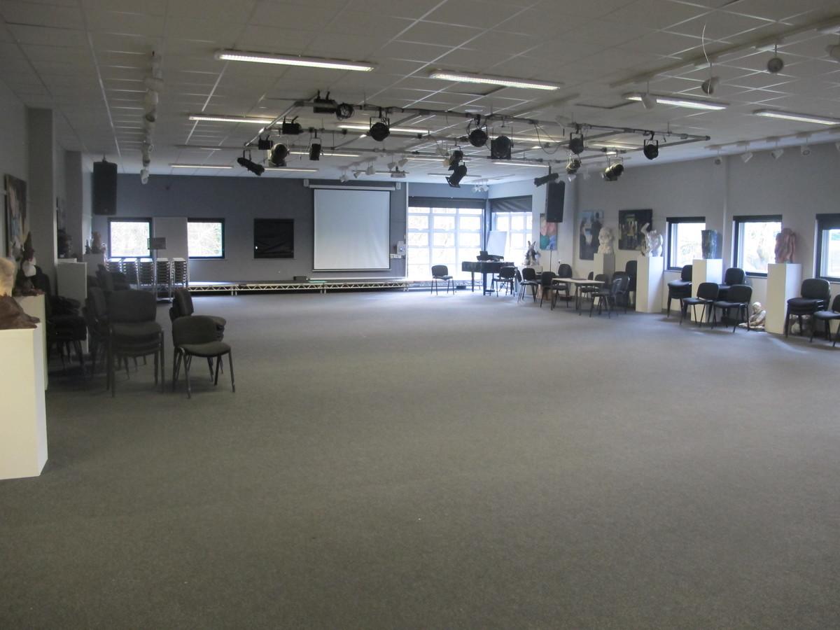 Gallery - Valley Park School - Kent - 2 - SchoolHire