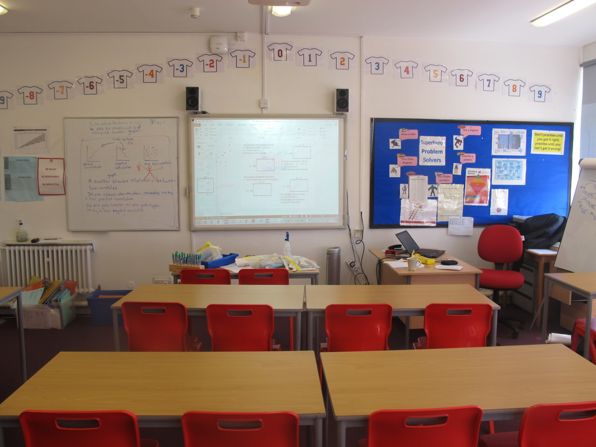Classrooms - Cherbourg - Crestwood Community School - Hampshire - 4 - SchoolHire