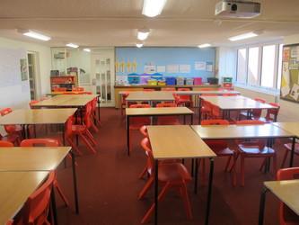Classrooms - Crestwood Community School - Hampshire - 2 - SchoolHire