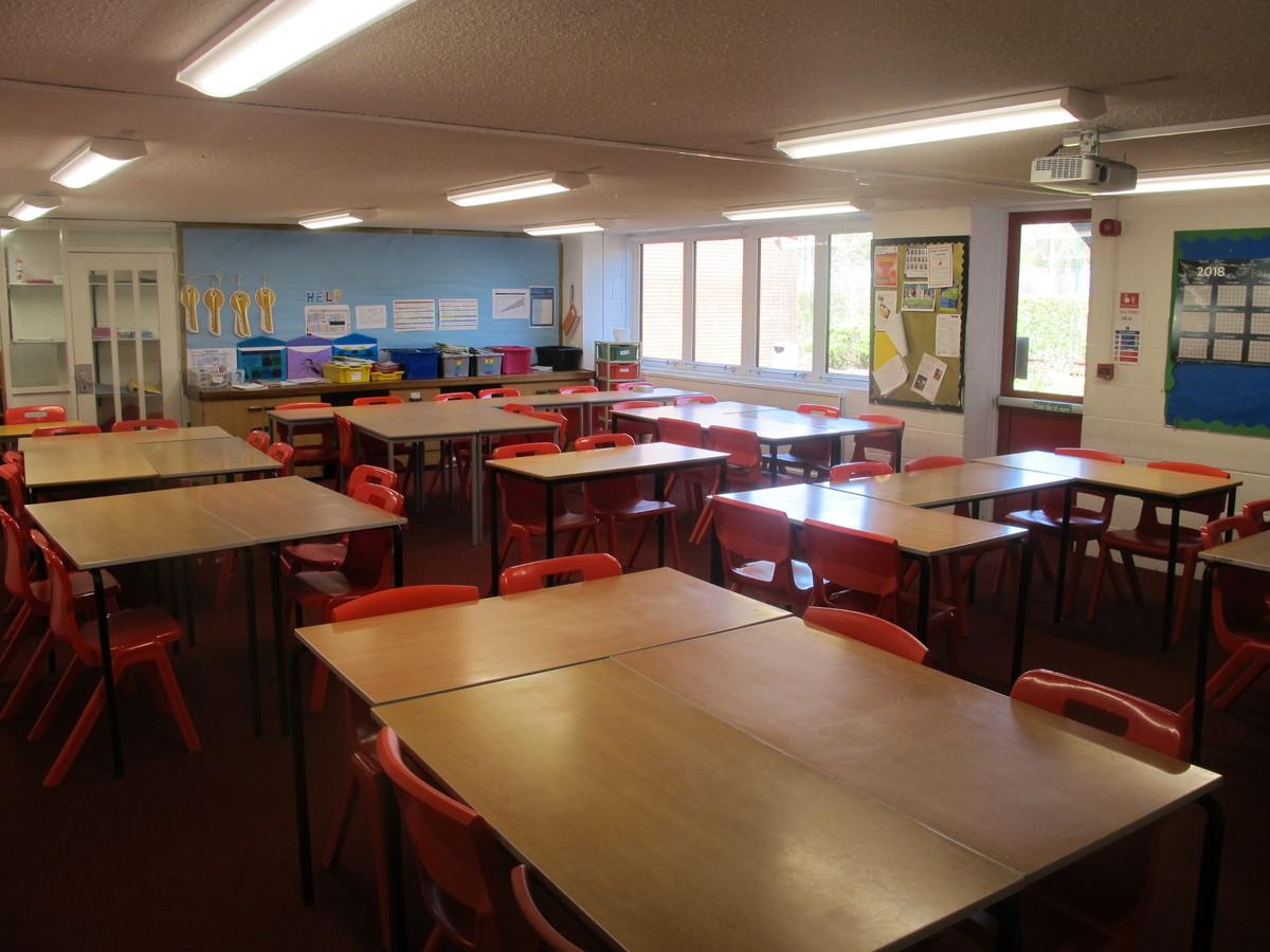 Classrooms - Crestwood Community School - Hampshire - 4 - SchoolHire