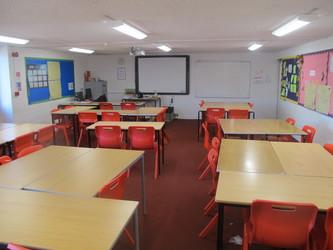 Classrooms - Crestwood Community School - Hampshire - 3 - SchoolHire