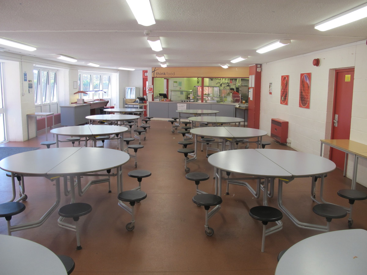 Dining Hall - Crestwood Community School - Hampshire - 1 - SchoolHire