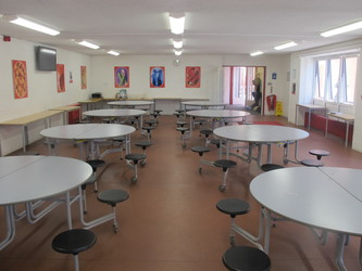 Dining Hall - Crestwood Community School - Hampshire - 2 - SchoolHire