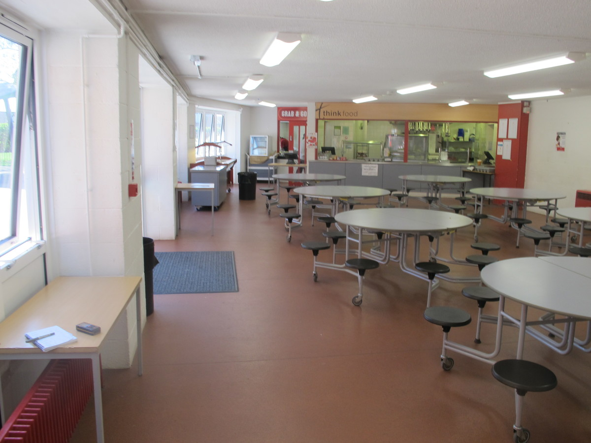 Dining Hall - Crestwood Community School - Hampshire - 3 - SchoolHire