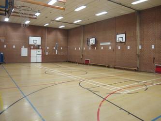 Gymnasium - Crestwood Community School - Hampshire - 2 - SchoolHire