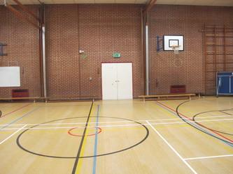 Gymnasium - Crestwood Community School - Hampshire - 3 - SchoolHire