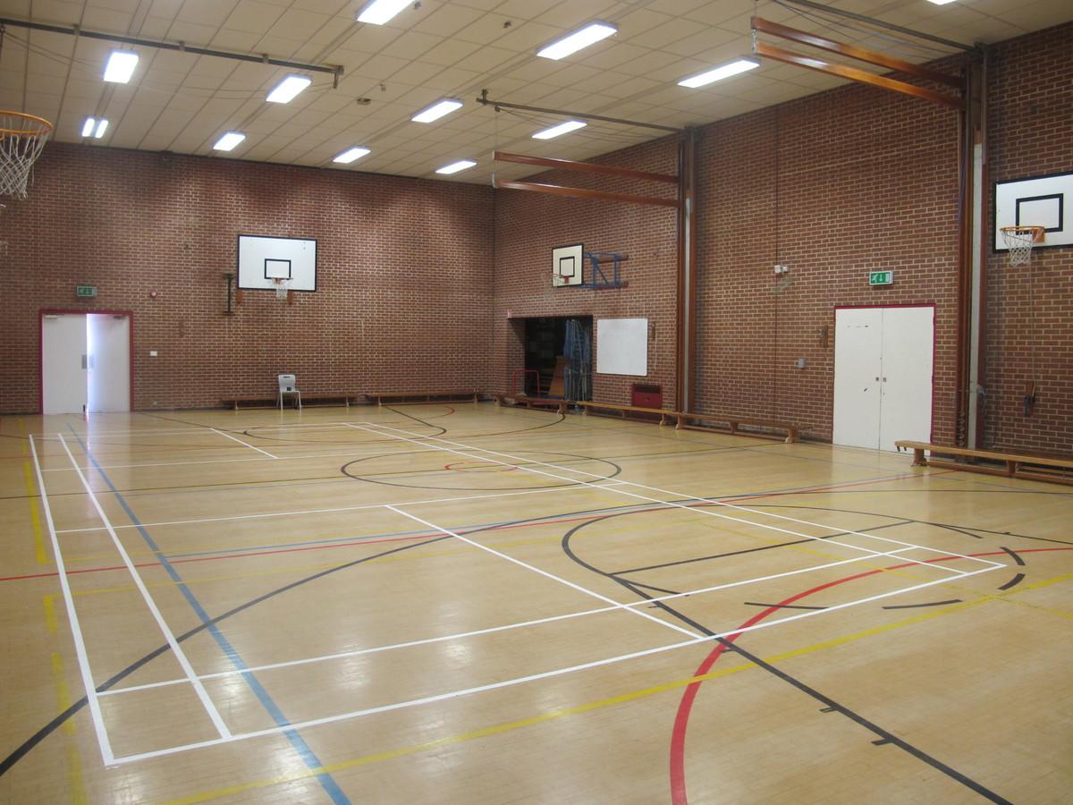 Gymnasium - Crestwood Community School - Hampshire - 4 - SchoolHire