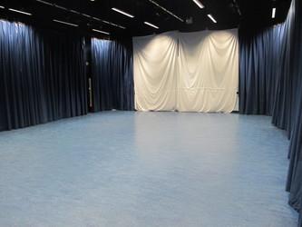 Performance Studio - Crestwood Community School - Hampshire - 2 - SchoolHire