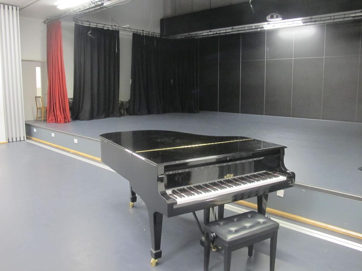 Theatre 1 - Birkenhead High School Academy - Wirral - 3 - SchoolHire