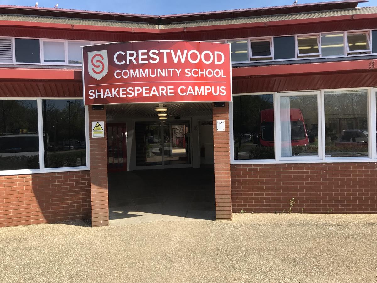 Crestwood Community School - Hampshire - 1 - SchoolHire