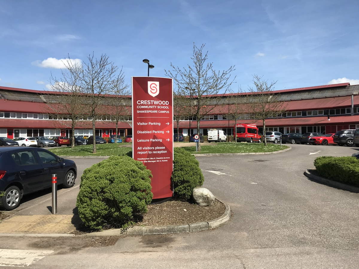 Crestwood Community School - Hampshire - 2 - SchoolHire