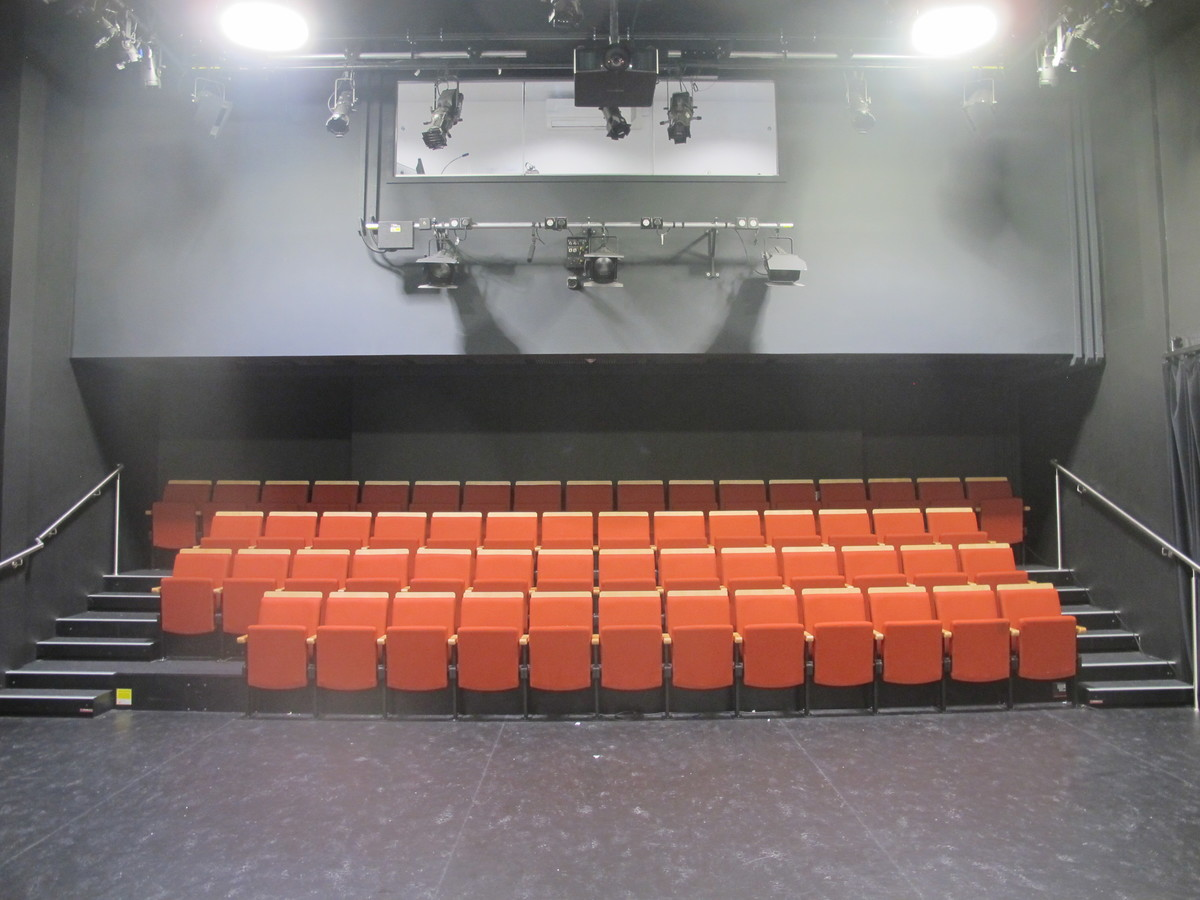 Theatre - New Block - Newham Sixth Form College - Newham - 1 - SchoolHire