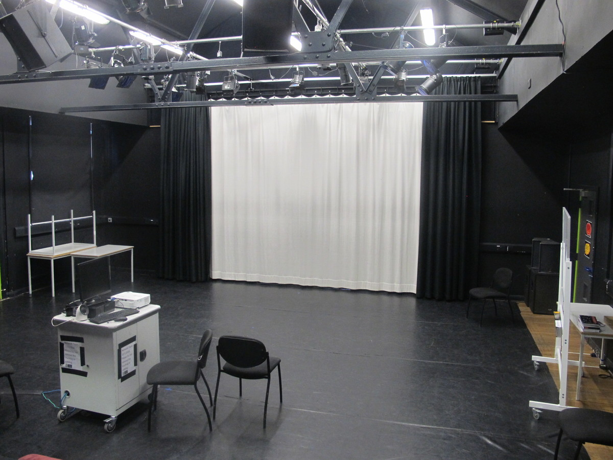 Theatre (Black Box Studio) - E Block - Newham Sixth Form College - Newham - 1 - SchoolHire