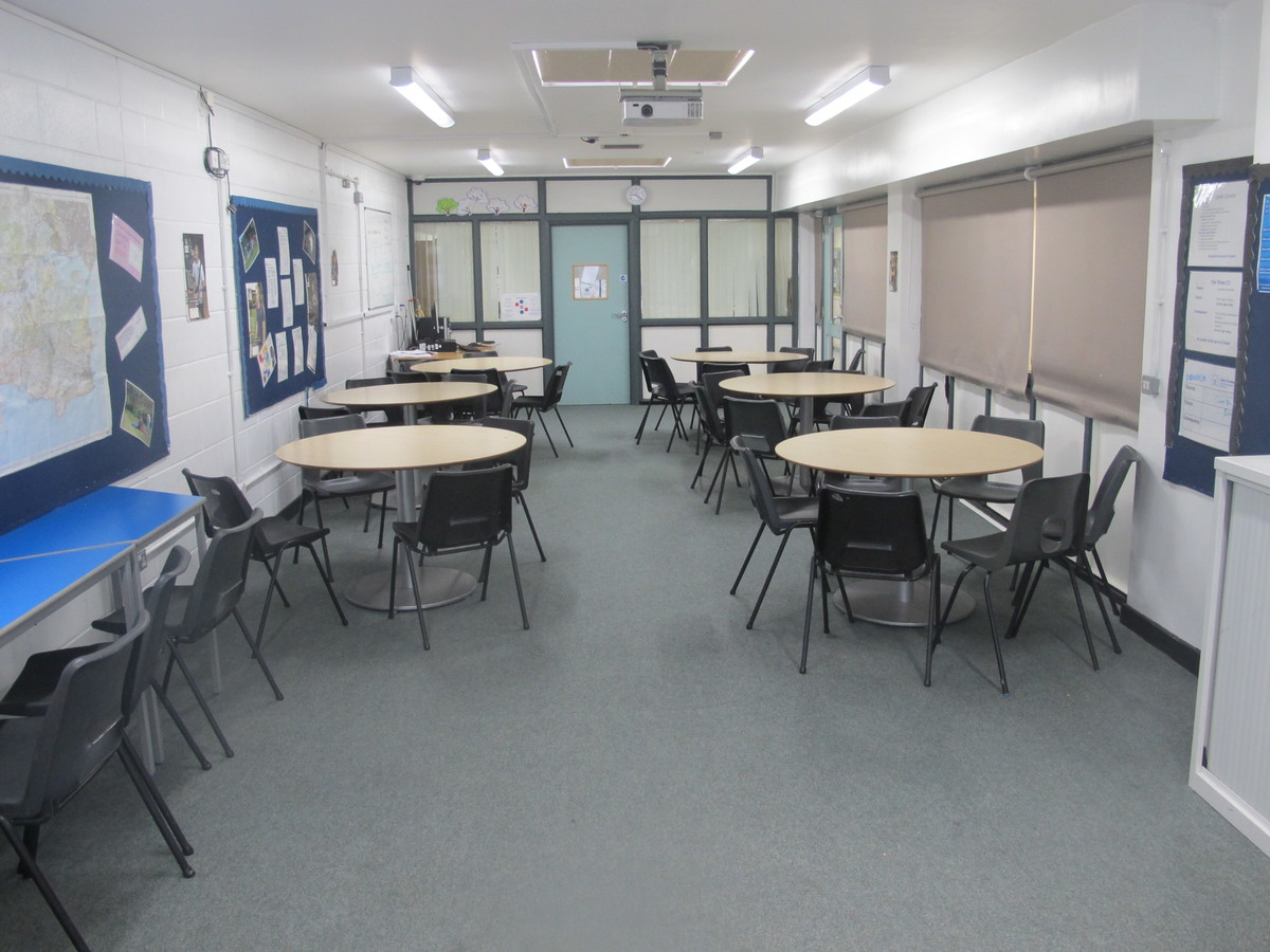 Classroom - Carter Community School - Poole - 2 - SchoolHire