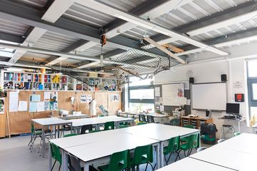 Art Room - Newham Sixth Form College - Newham - 1 - SchoolHire