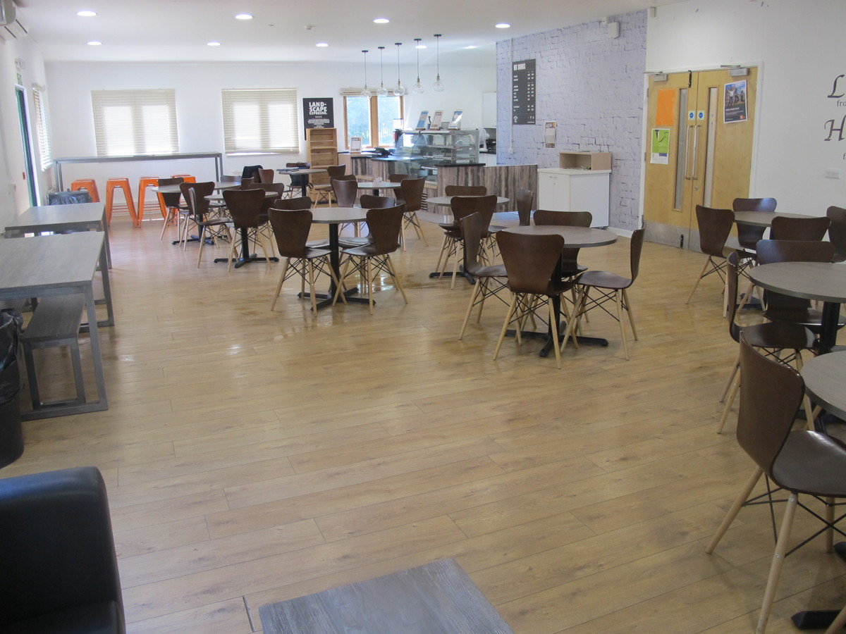 6th Form Common Room - Davenant Foundation School - Essex - 4 - SchoolHire