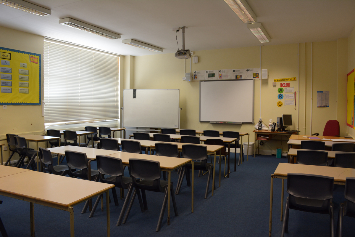 Classrooms - Standard - Davenant Foundation School - Essex - 2 - SchoolHire