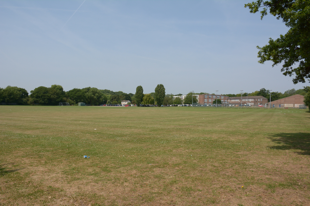 Outdoor Playing Field - Davenant Foundation School - Essex - 4 - SchoolHire