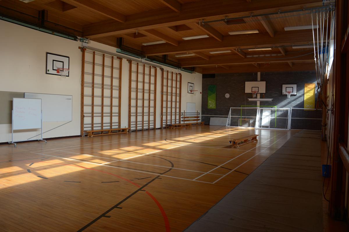 Gym - Davenant Foundation School - Essex - 1 - SchoolHire