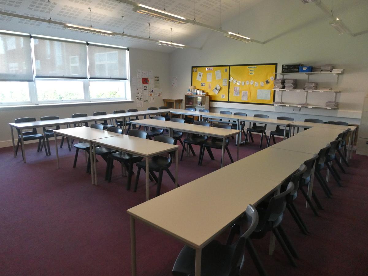 Classrooms - Standard - Cromwell Community College - Cambridgeshire - 1 - SchoolHire