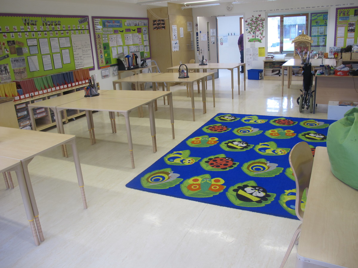 Classrooms - Junior - Krishna Avanti (Harrow) Primary School - Harrow - 2 - SchoolHire
